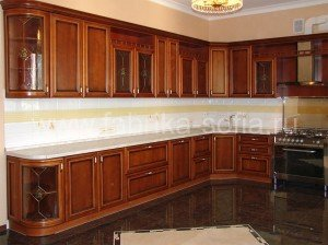 Кухонный гарнитур с винтажным классическим дизайном