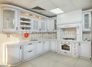 Элитный кухонный гарнитур. Изготовлен на заказ.